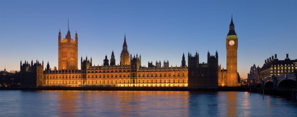 Palácio de westminster também conhecido como houses of parliament