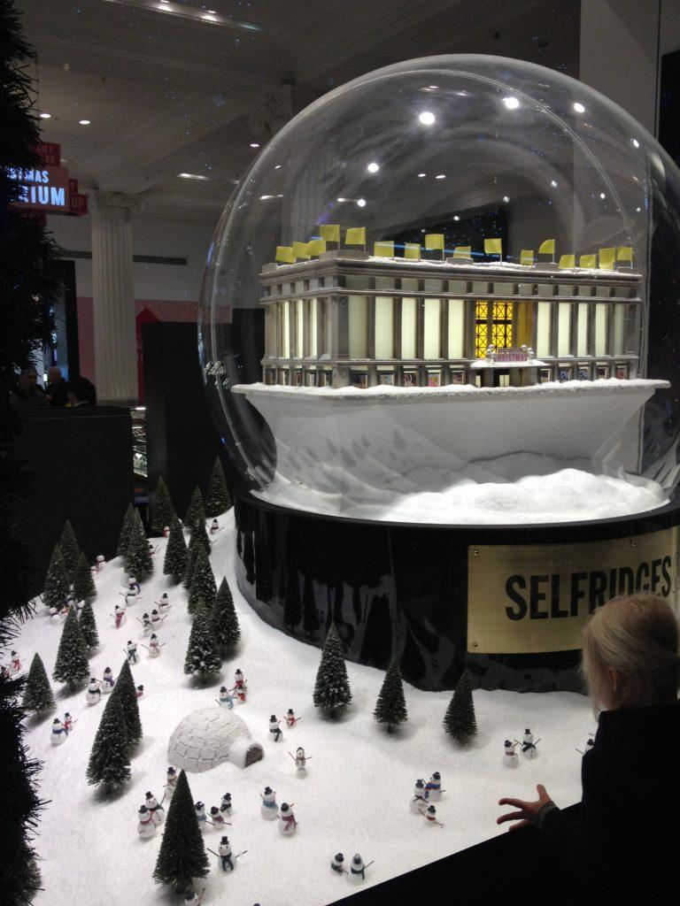 Luzes de Natal em Oxford Street - Vitrine Selfridge Store